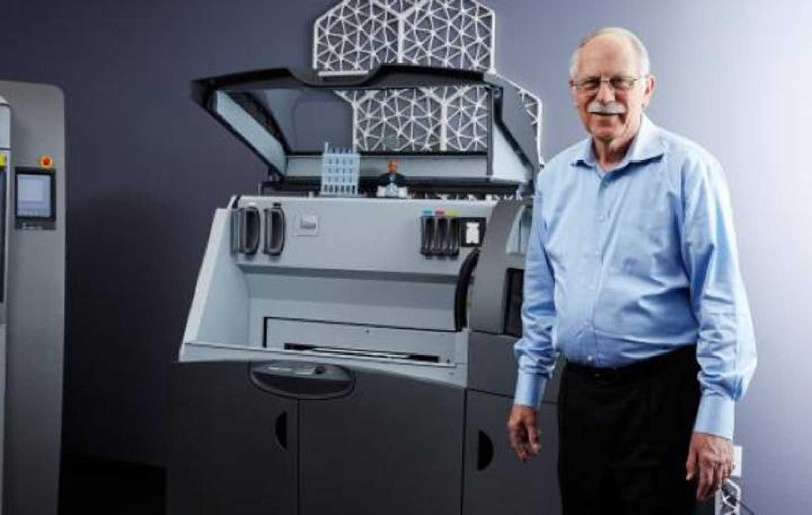 Charles W. Hull, el padre de la impresión en 3D.