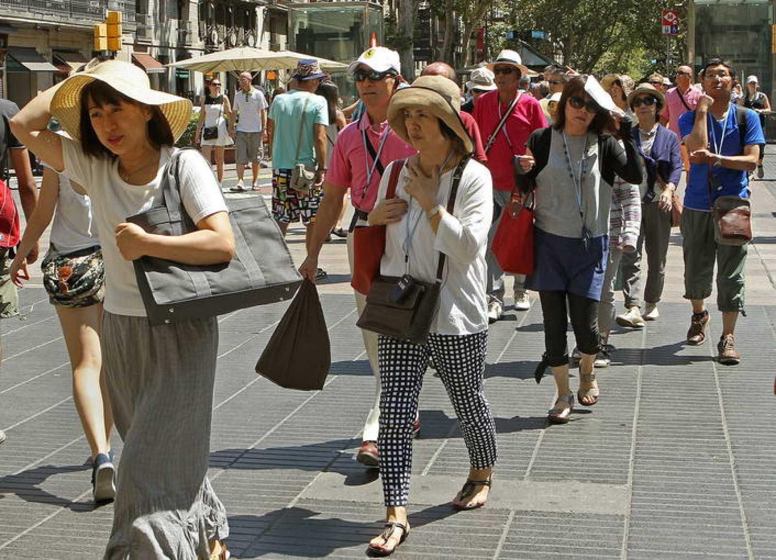 Un grupo de turistas en Barcelona