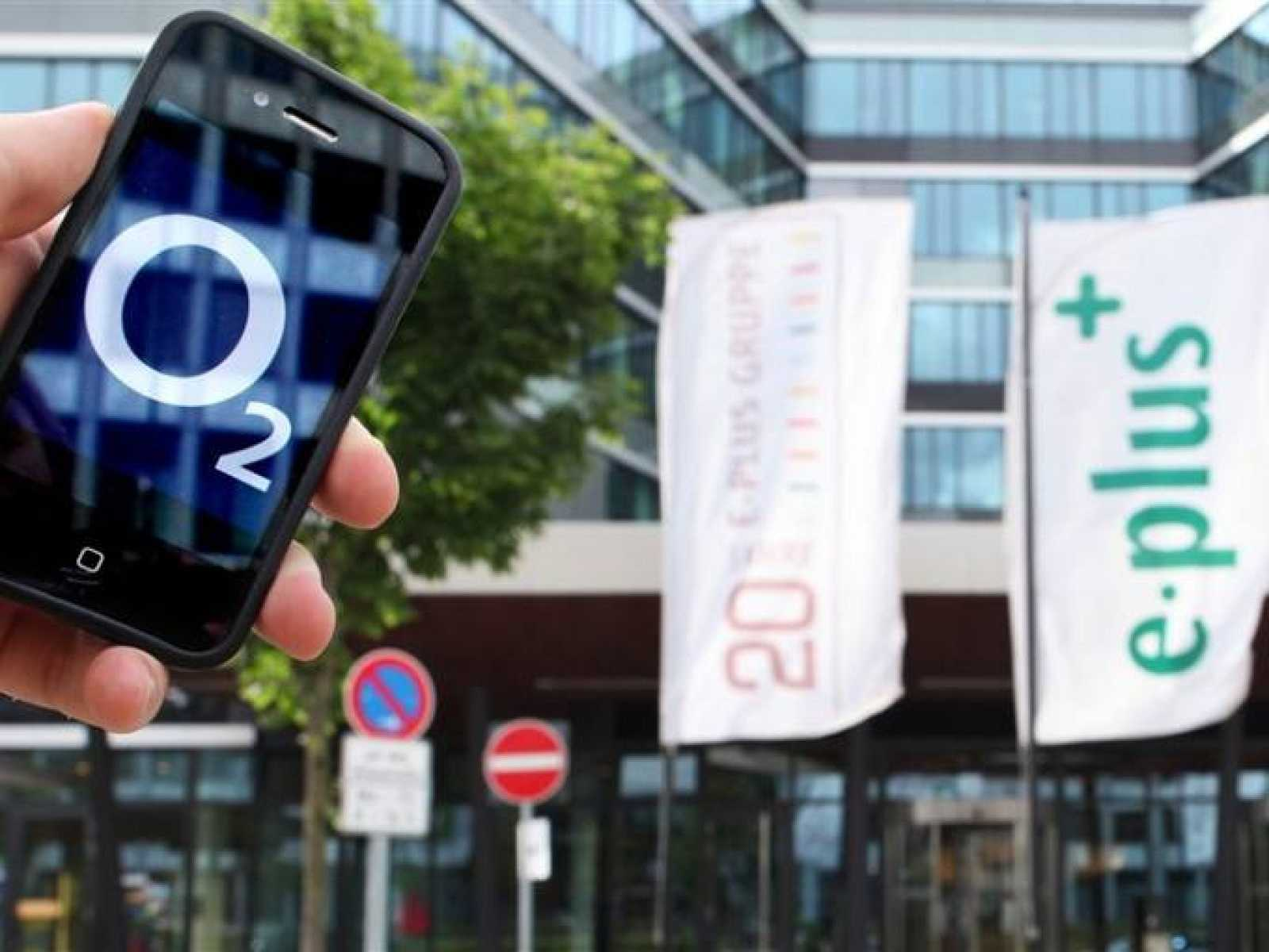 Telefónica, autorizada a comprar la operadora de móviles alemana E-Plus