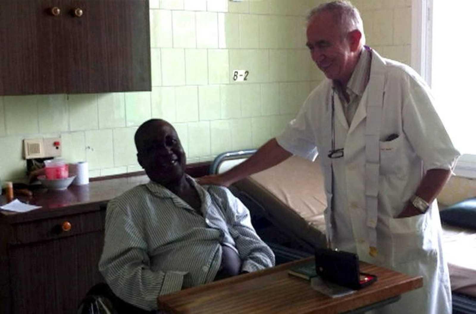 El religioso español Miguel Pajares, en Liberia, donde ha contraído el ébola
