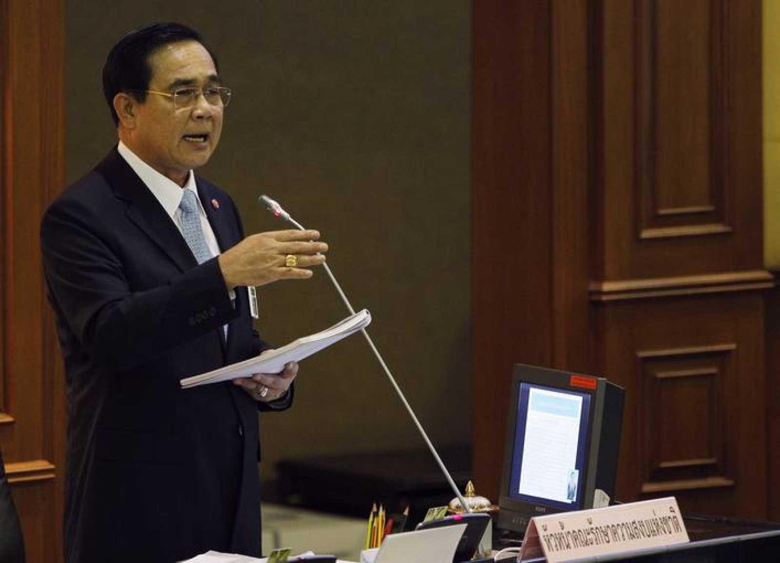 El jefe de la Junta Militar y nuevo primer ministro de Tailandia, el general Prayuth Chan-ocha, durante una comparecencia ante la Asamblea.