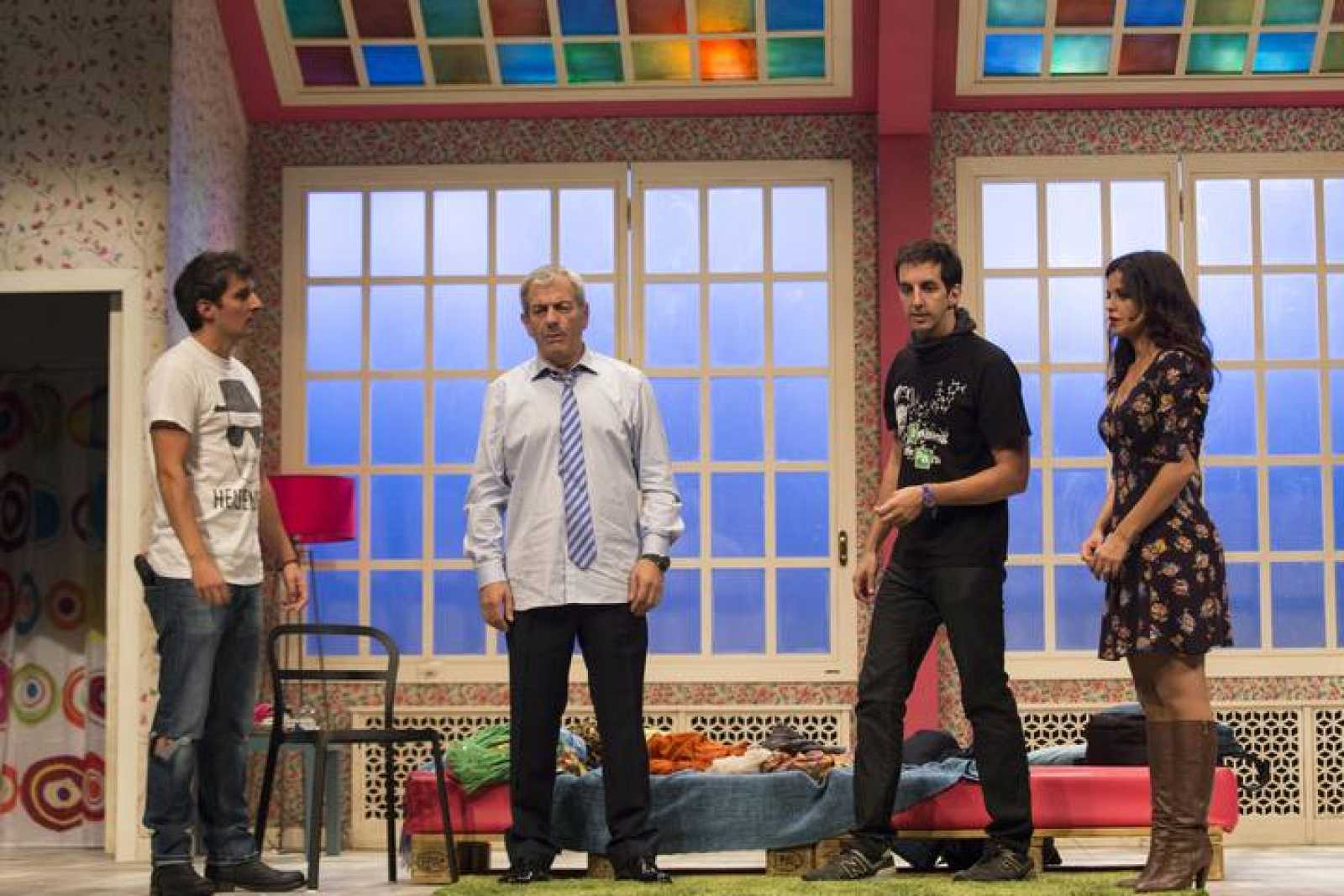 Carlos Sobera, Marta Torné, Javier Antón y Guillermo Ortega protagonizan 'El ministro' de Antonio Prieto, dirigida por Silvestre G.