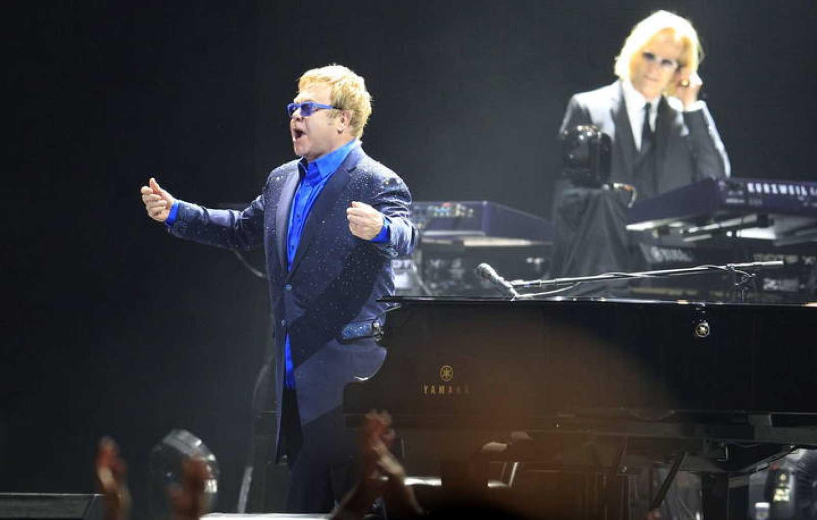 """El británico Elton John durante su actuación en el Palacio de los Deportes de Madrid para celebrar el 40 aniversario de su """"Goodbye yellow brick road"""""""