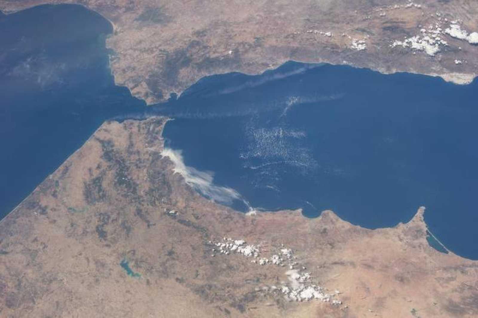 Imagen del estrecho de Gibraltar captada por un satélite.