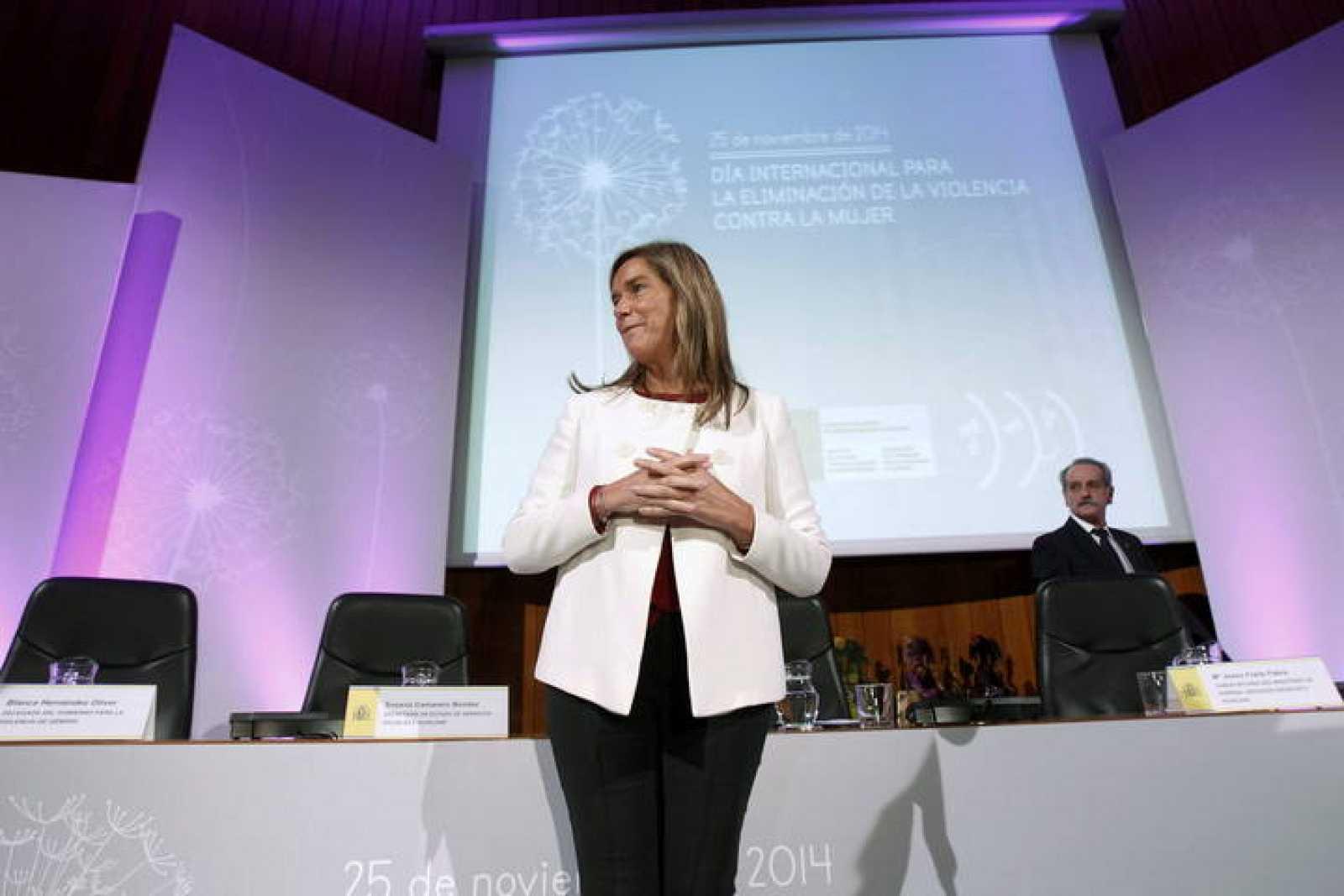 La ministra Ana Mato, en un acto en el Ministerio de Sanidad en el Día Internacional para la Eliminación de la Violencia contra la Mujer.