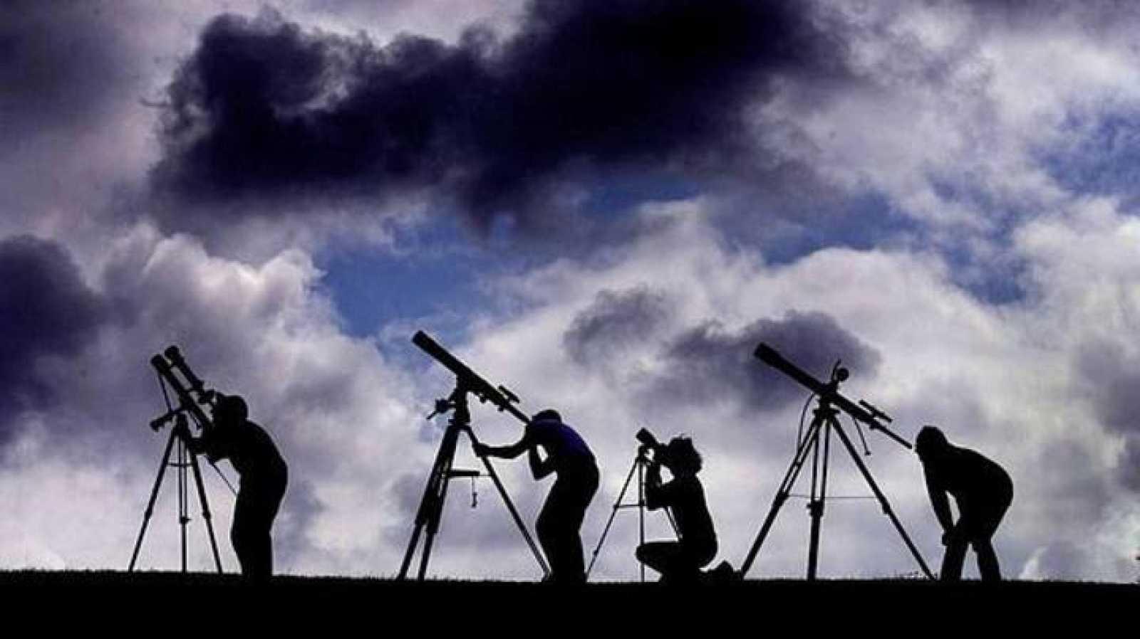 El eclipse solo podrá verse completo en dos archipiélagos del Atlántico Norte.
