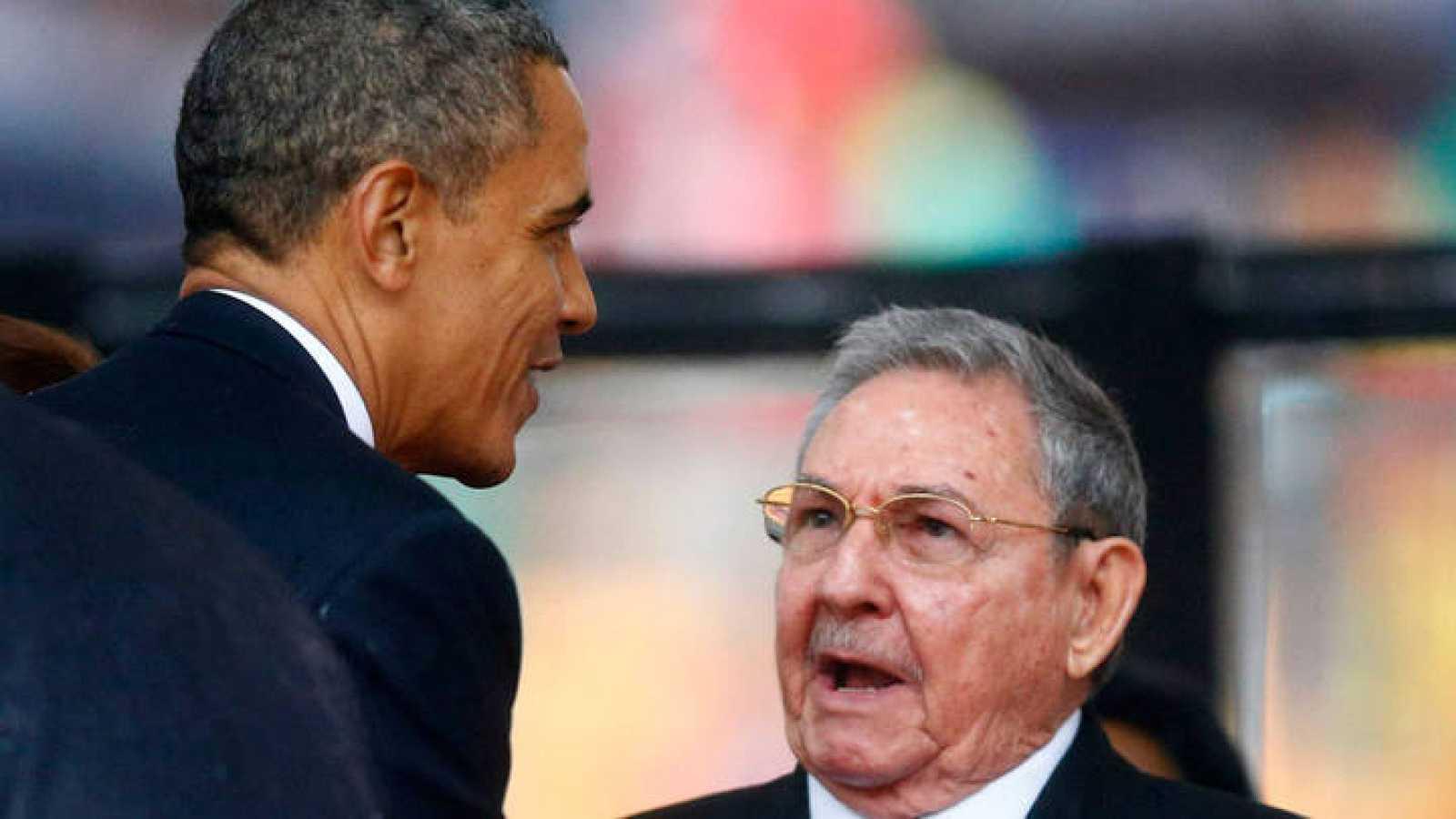 Imagen de archivo de Barack Obama y Raúl Castro.