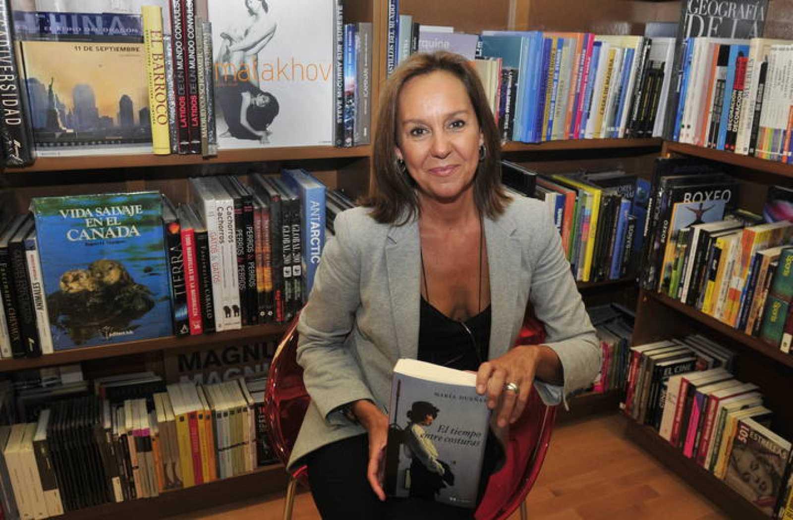 La escritora española María Dueñas