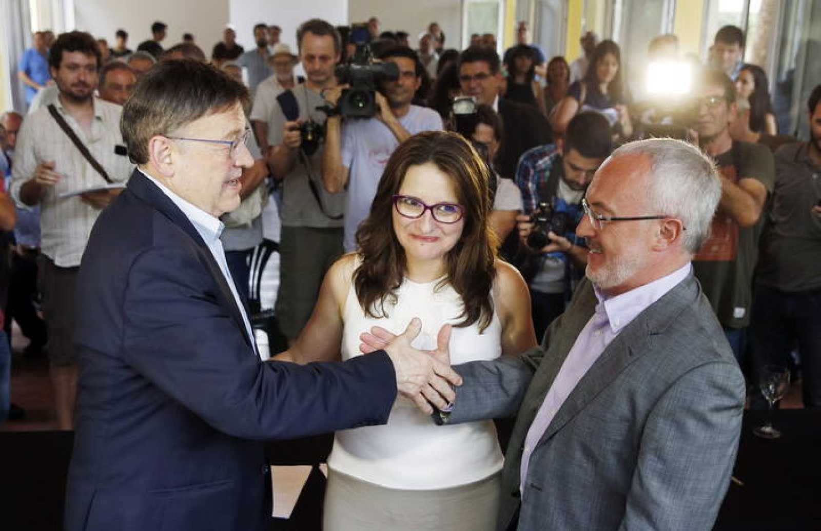 PSPV, Compromís y Podemos firman el acuerdo programático para la Generalitat
