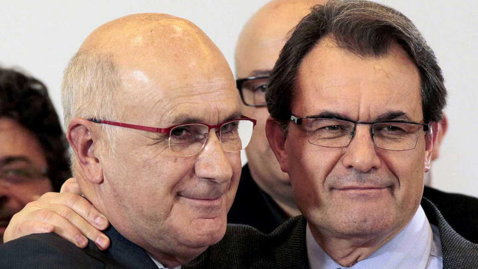 En la imagen, el líder de UDC, Josep Antoni Duran i Lleida junto con el presidente de la Generalitat de Cataluña, Artur Mas