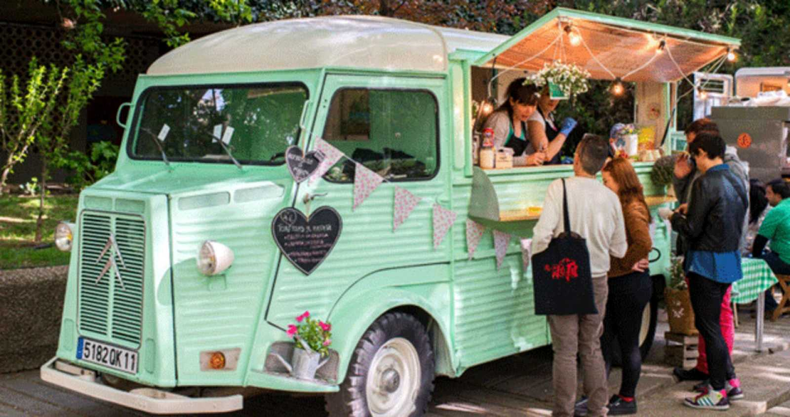 Un 'food truck' en plena venta