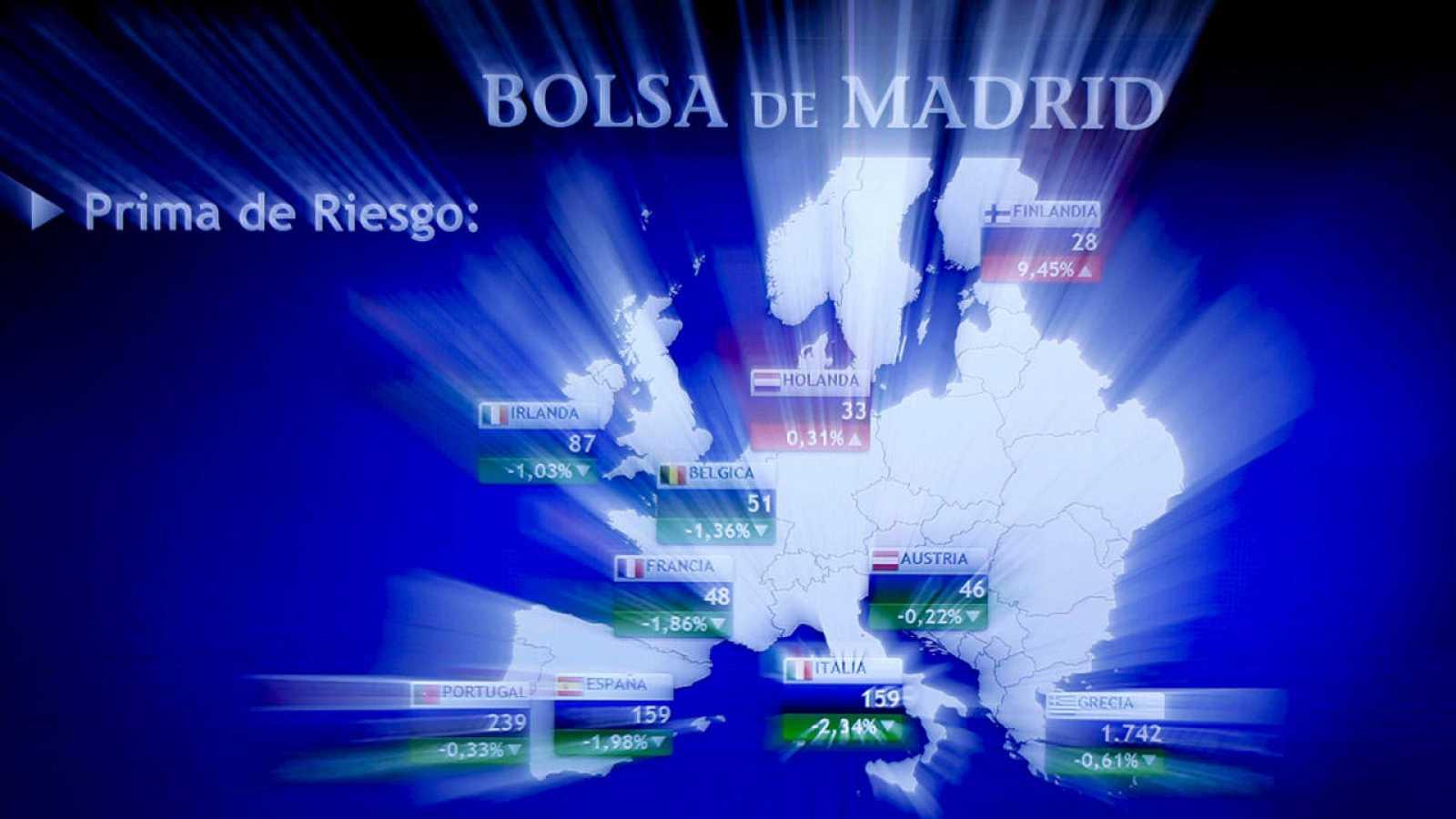 Panel indicativo con las primas de riesgo en la Bolsa de Madrid