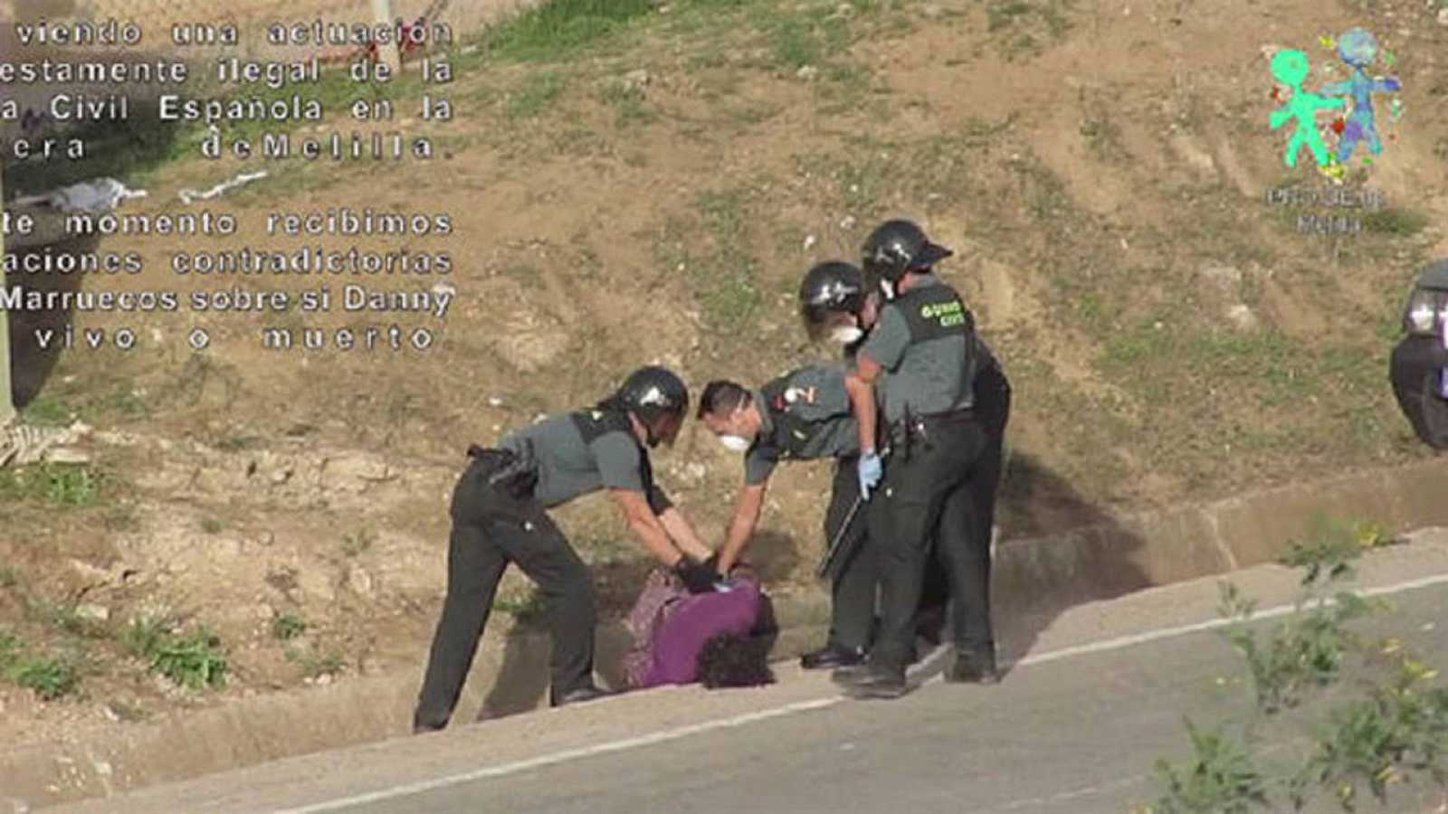 Captura del vídeo difundido por la ONG Prodein sobre el salto a la valla el 15 de octubre de 2014