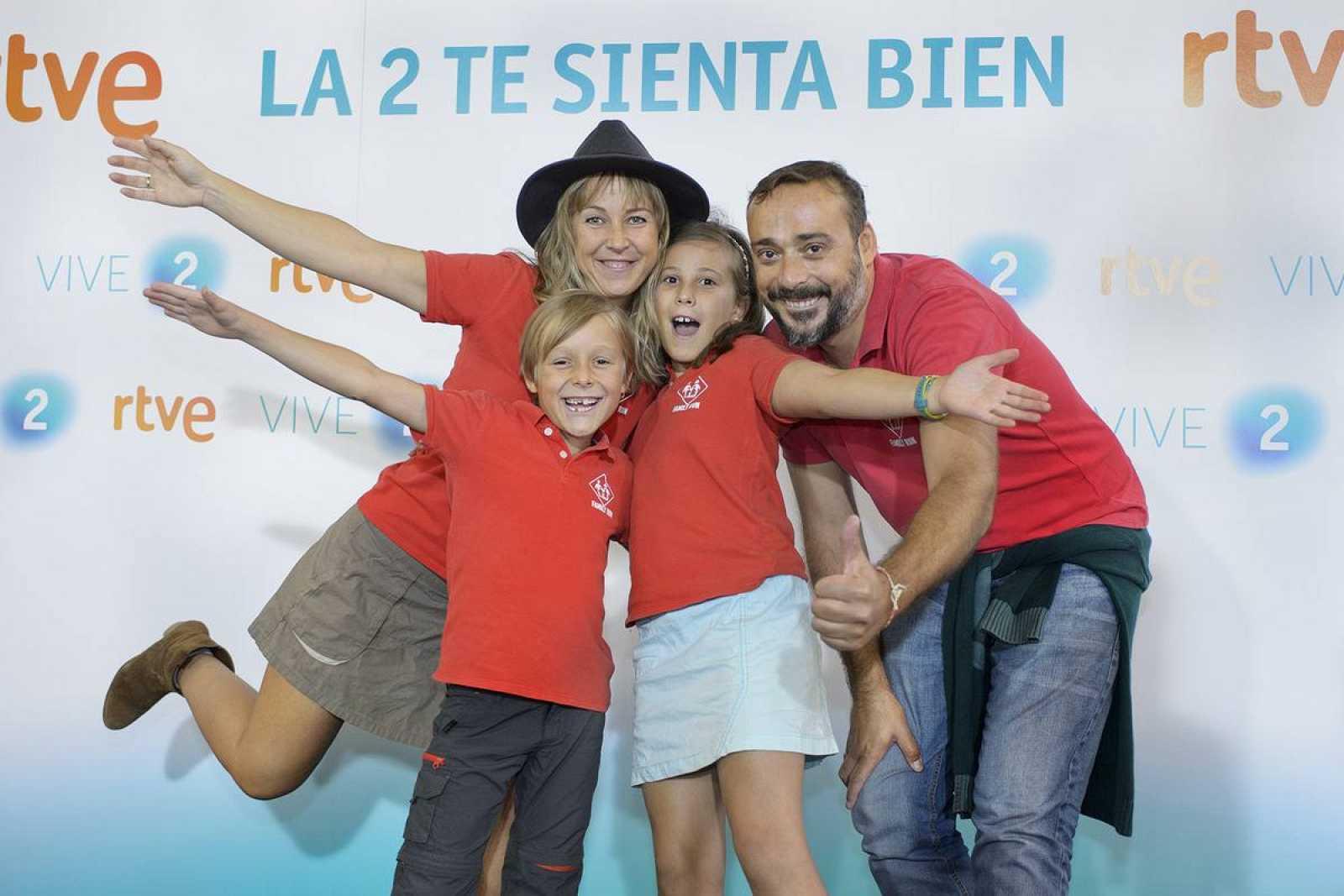 La divertida familia, Antonio, Sonia y sus hijos Candela y Mateo, en la presentación de la nueva temporada de La 2