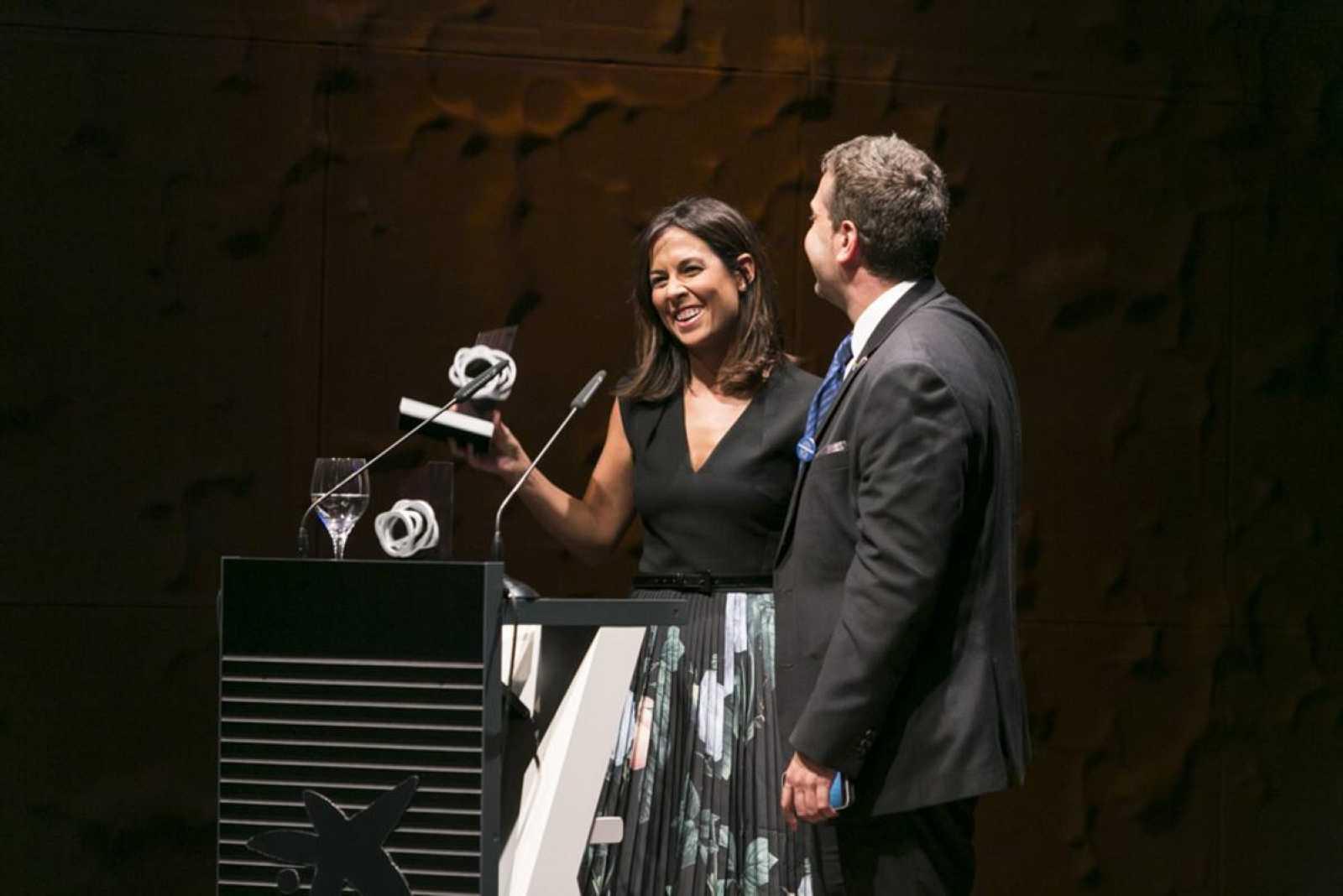 Mara Torres, que fue la presentadora de la gala, fue galardonada con uno de los Premios Corresponsables, por su implicación desinteresada en asuntos de responsabilidad social