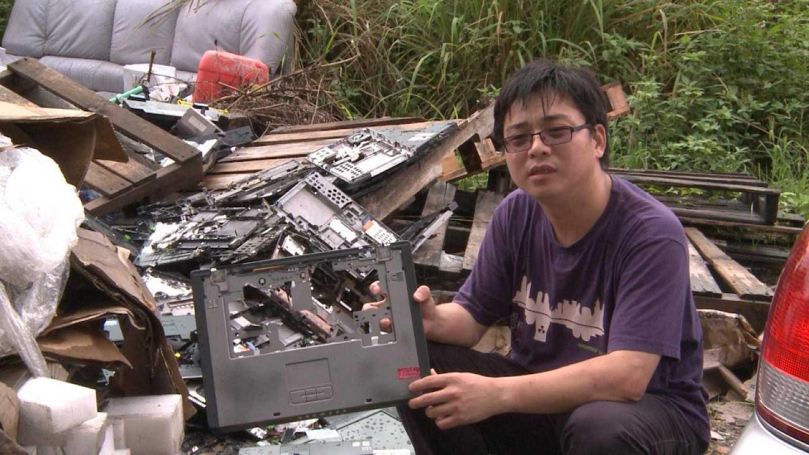 'La tragedia electrónica' un reportaje de 'Documentos TV'