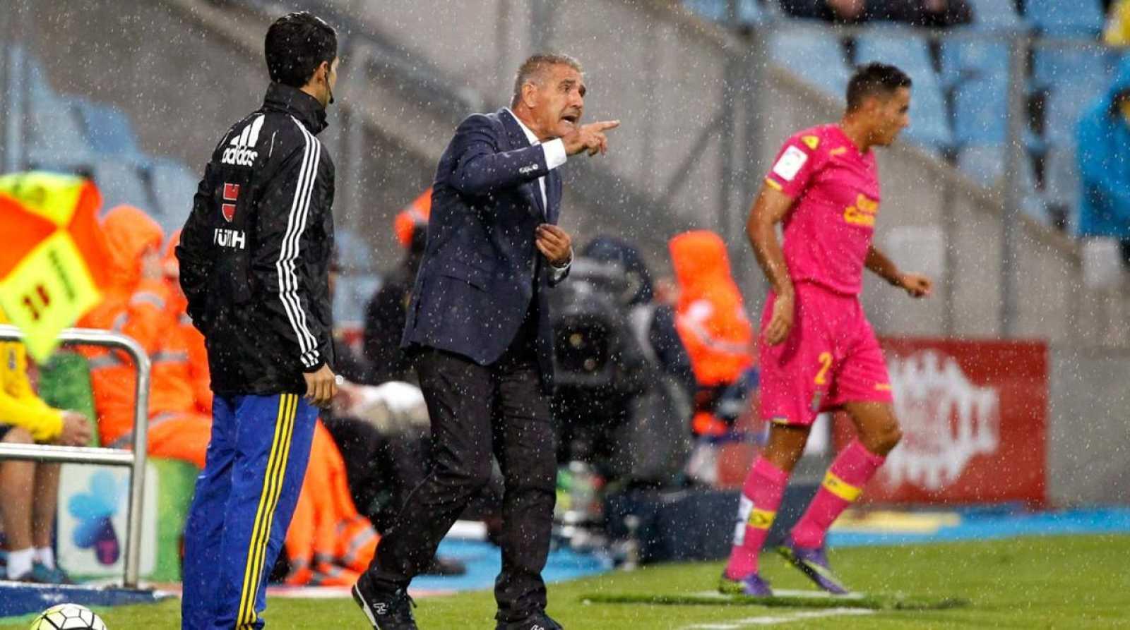 Paco Herrera en su último partido como entrenador de Las Palmas ante el Getafe.