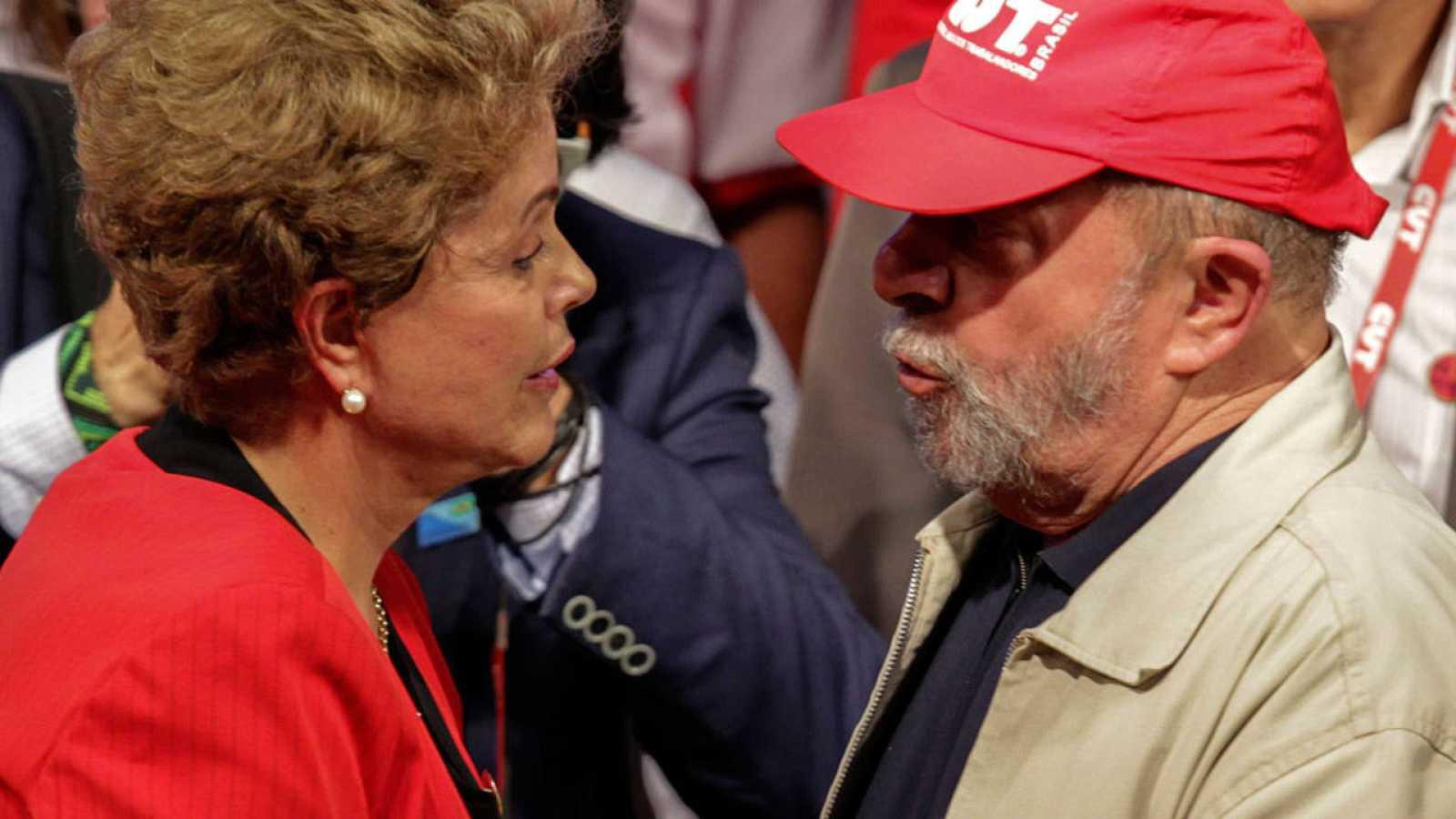 La presidenta brasileña, Dilma Rousseff, y el expresidente Luis Ignacio Lula da Silva el pasado 13 de octubre.