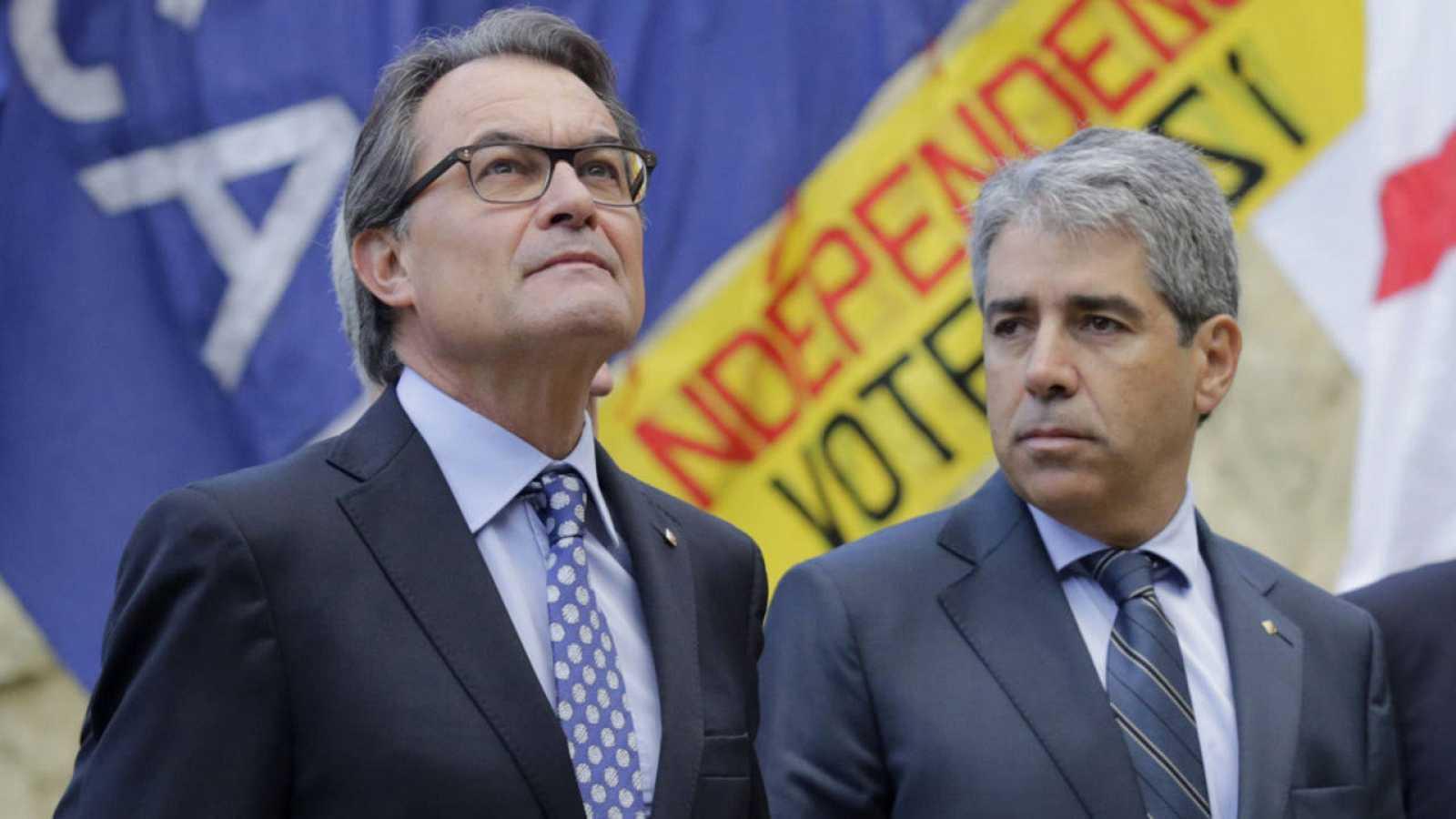 El consejero de Presidencia de la Generalitat, Francesc Homs, junto al presidente, Artur Mas.