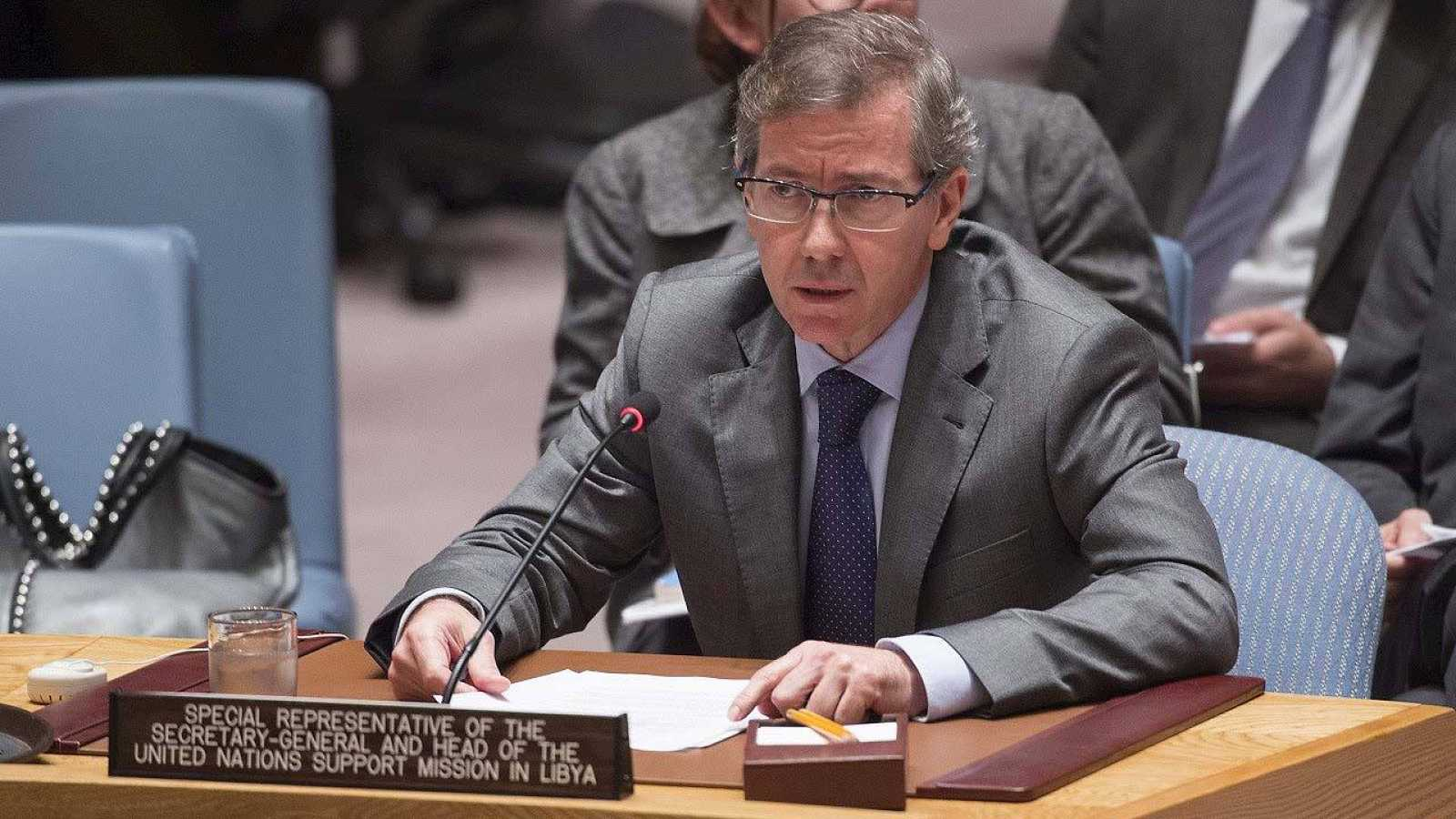 El enviado especial de la ONU para Libia, Bernardino León, habla ante el Consejo de Seguridad de Naciones Unidas en Nueva York (EE.UU.) el 5 de noviembre de 2015. EFE/ESKINDER DEBEBE
