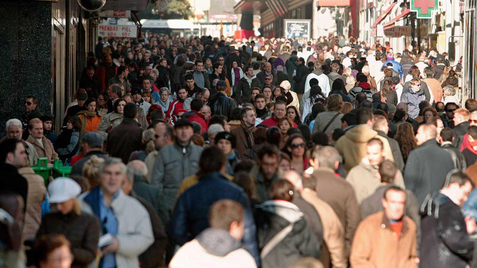 La población española desciende por cuarto año consecutivo debido a salida de extranjeros