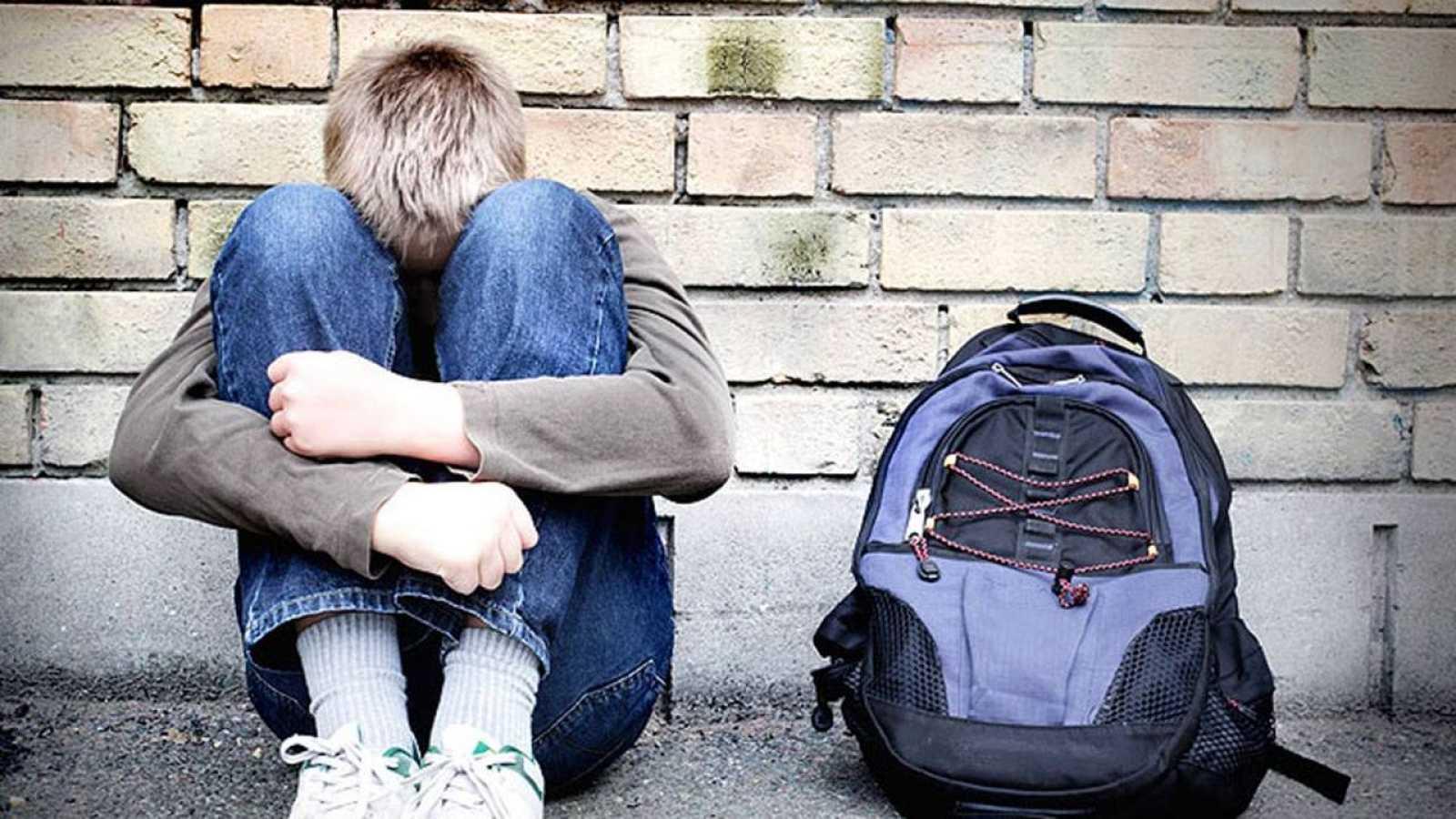 El 900 018 018, el teléfono contra el acoso escolar