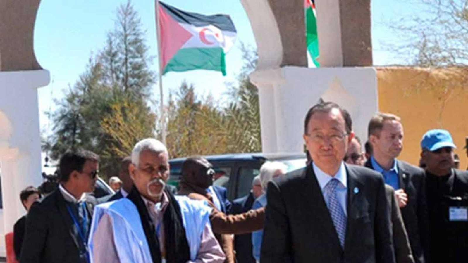 El Secretario General de la ONU durante su visita al Sáhara Occidental el pasado 5 de marzo.