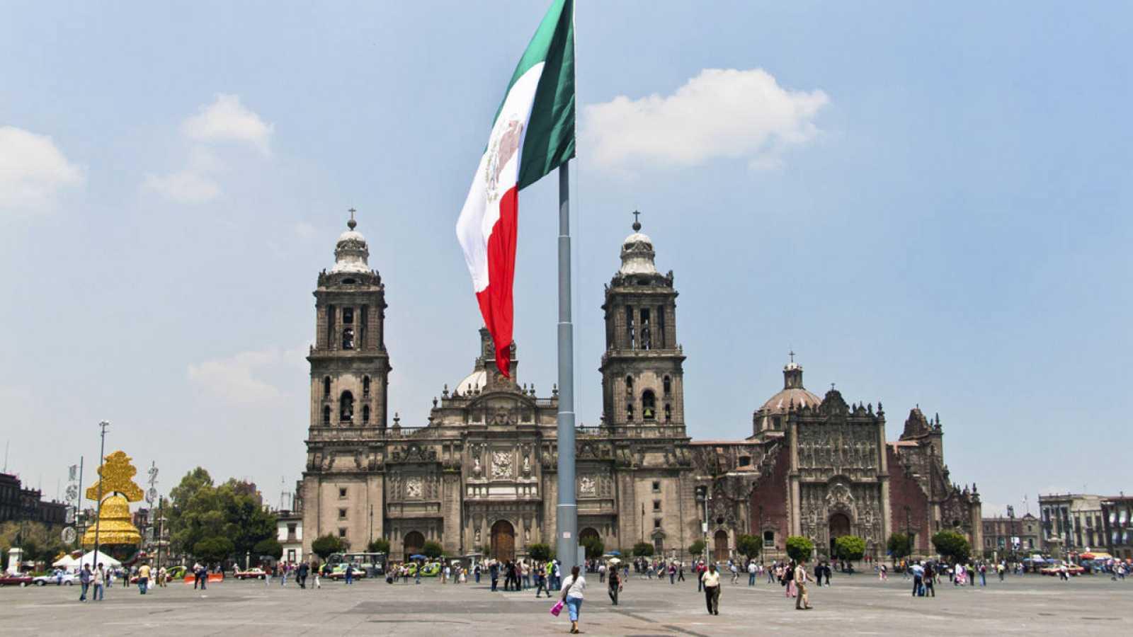 La Plaza de la Constitución de la Ciudad de México, popularmente conocida como El Zócalo