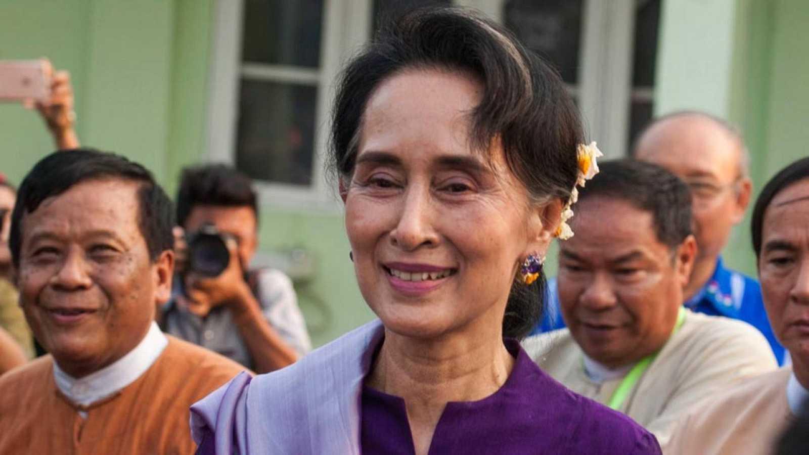 Aung San Suu Kyi formará parte del próximo gobierno birmano