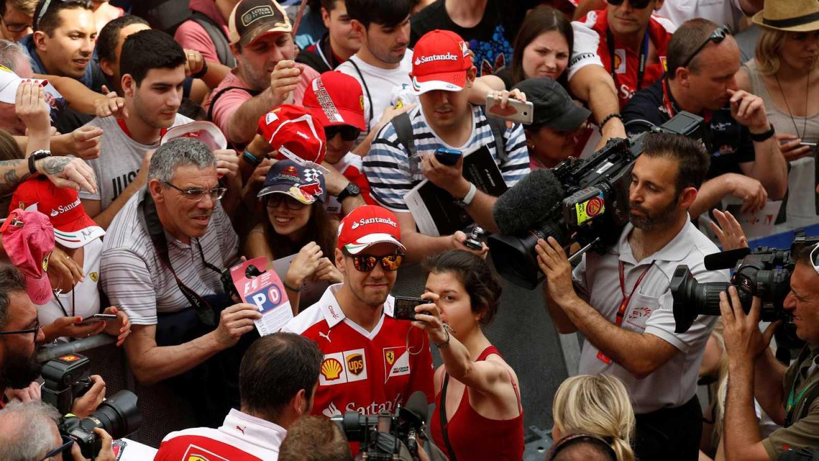 Vettel lidera los primeros entrenamientos libres en Montmeló