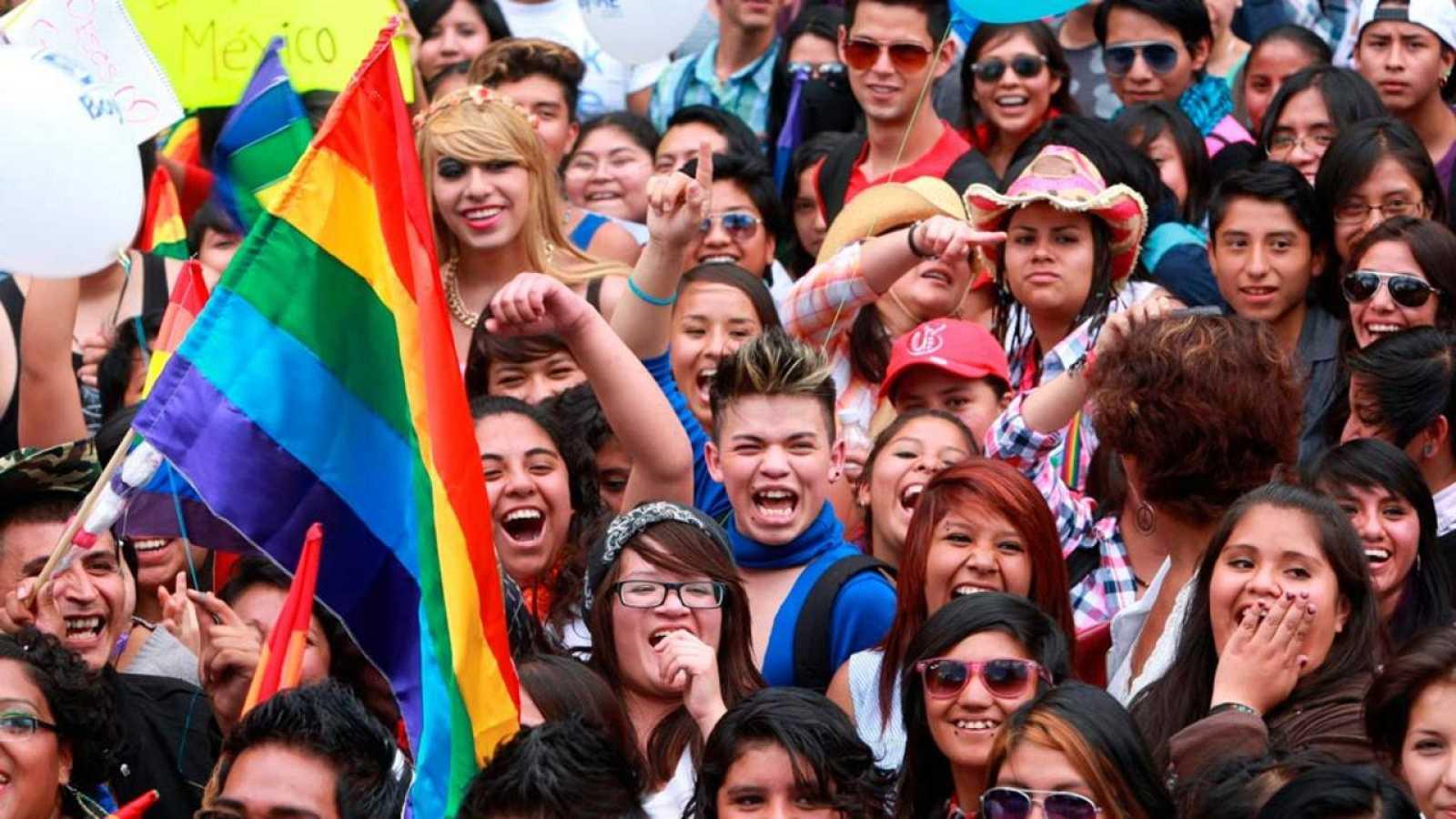 Imagen de una marcha con motivo del día del Orgullo gay en Ciudad de México en 2014