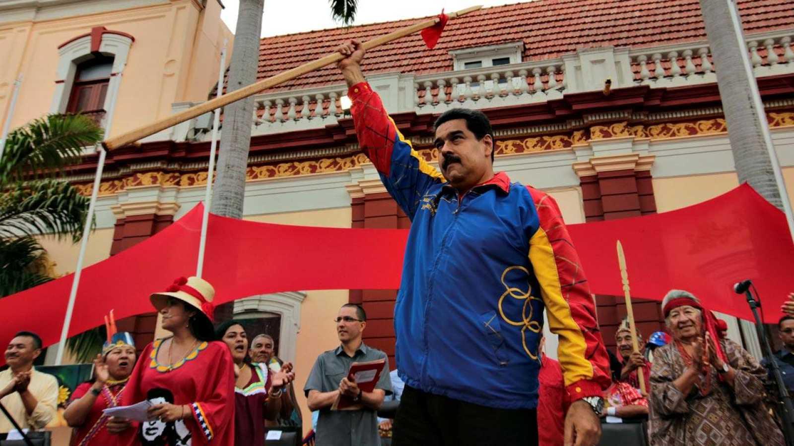 El presidente venezolano, Nicolás Maduro, en un acto con diputados indígenas en Caracas