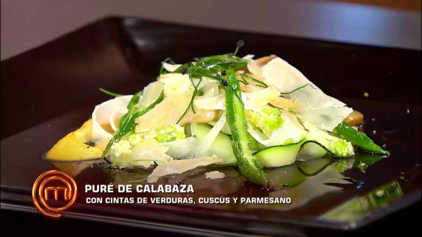 Puré de calabaza con cintas de verdura, cucús y parmesano