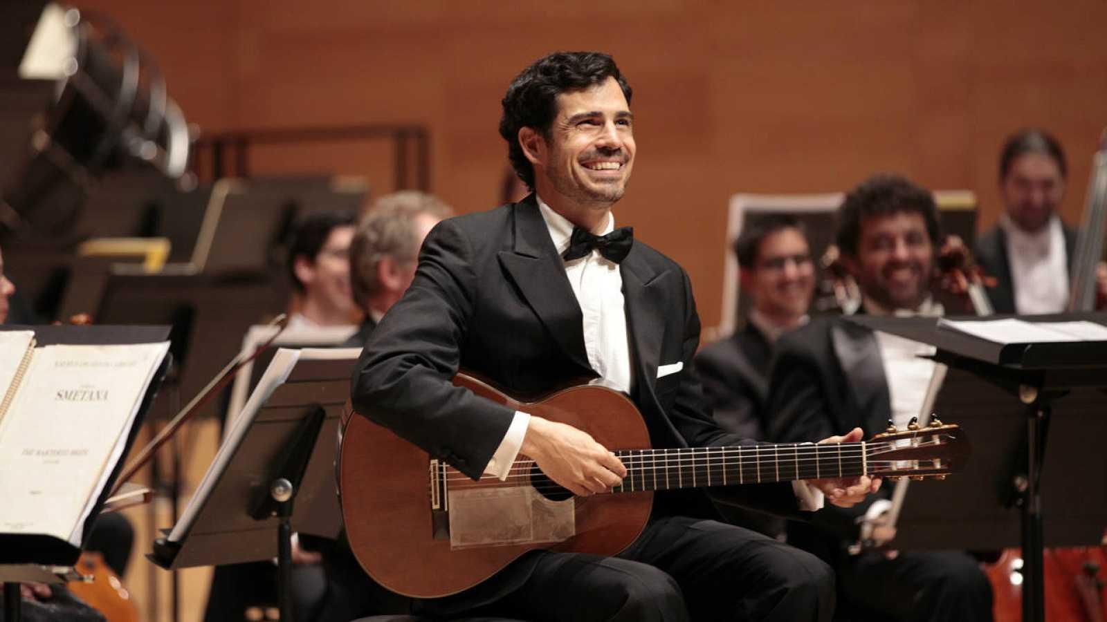 El guitarrista español Pablo Sáinz