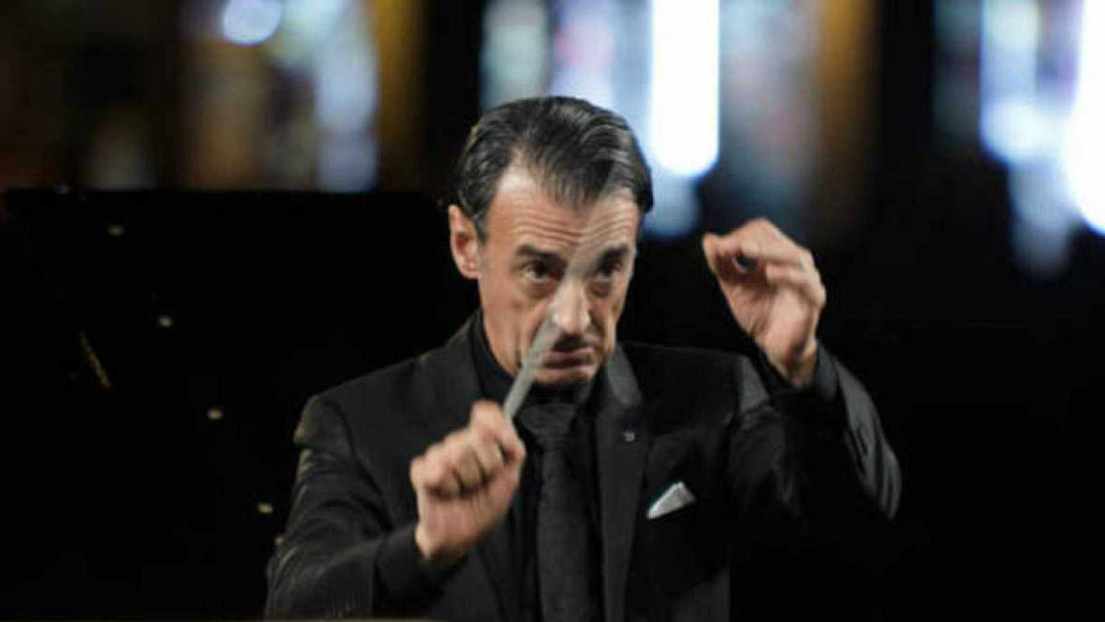 El director Miguel Ángel Gómez Martínez