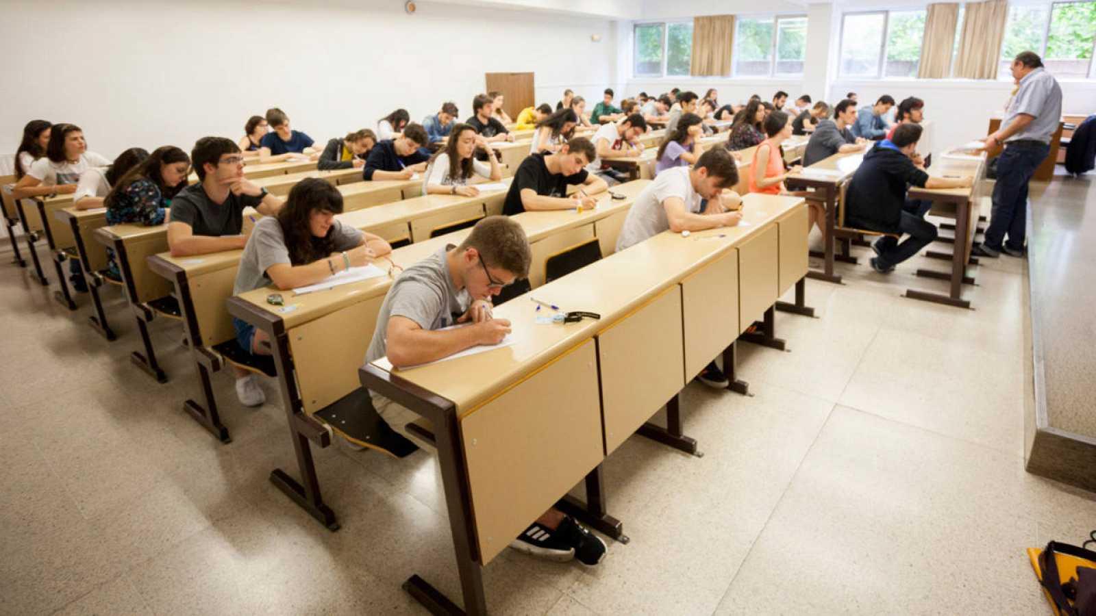 Alumnos de Valladolid en las pruebas Selectividad en junio, las últimas de la historia.