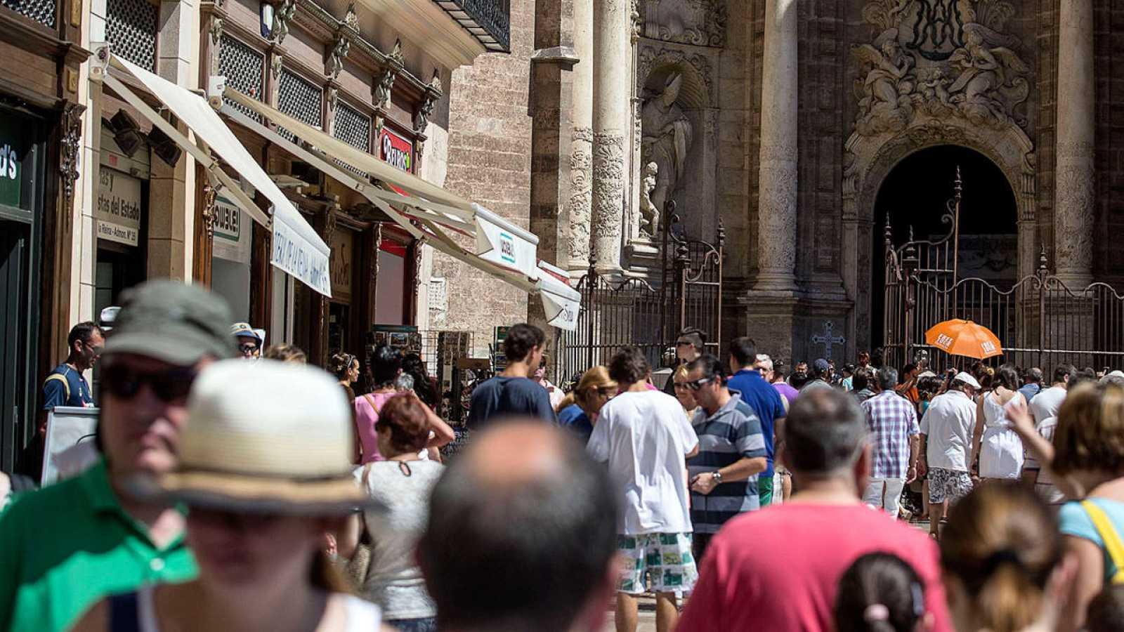 Turistas en el centro de la ciudad de Valencia