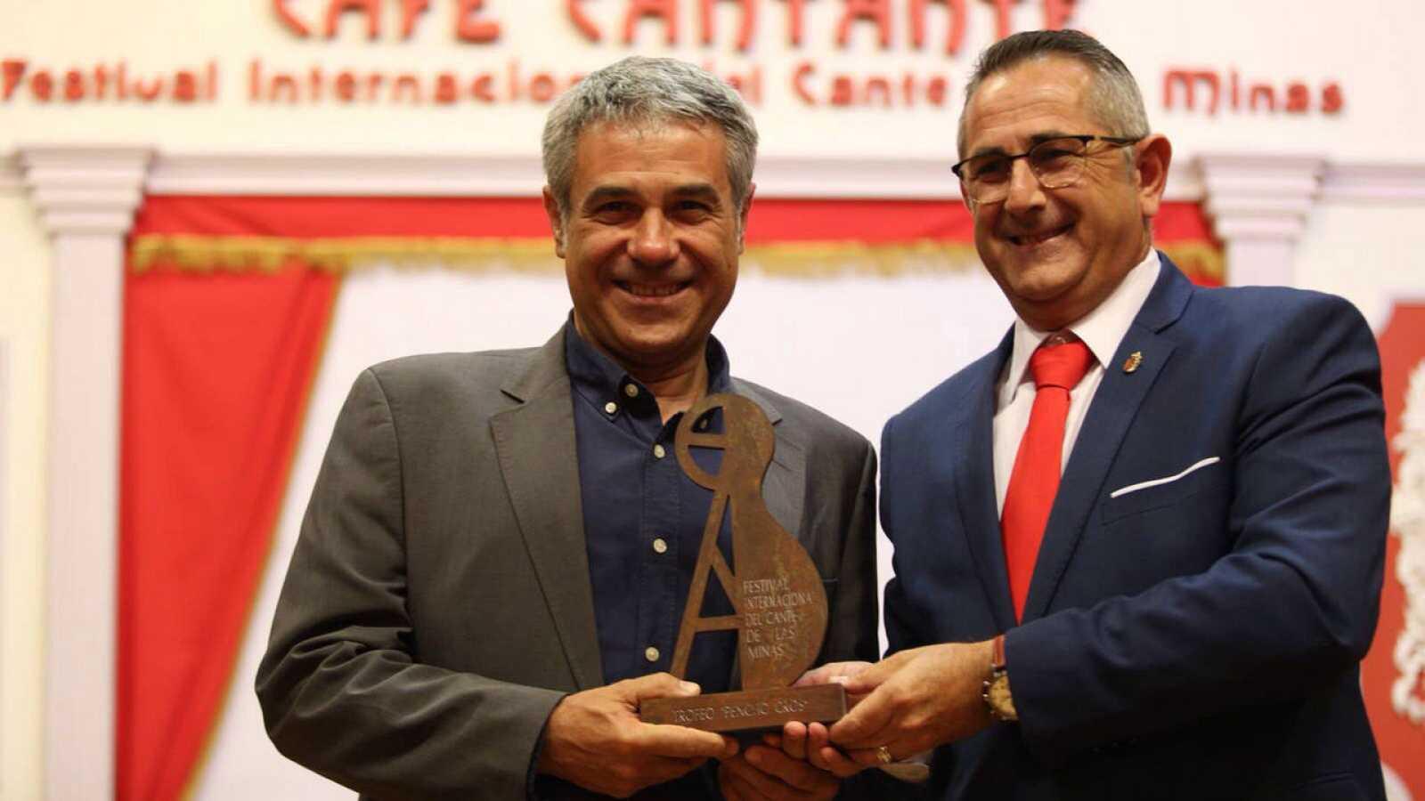 Teo Sánchez recoge el galardón `Pencho Cros al Periodismo¿