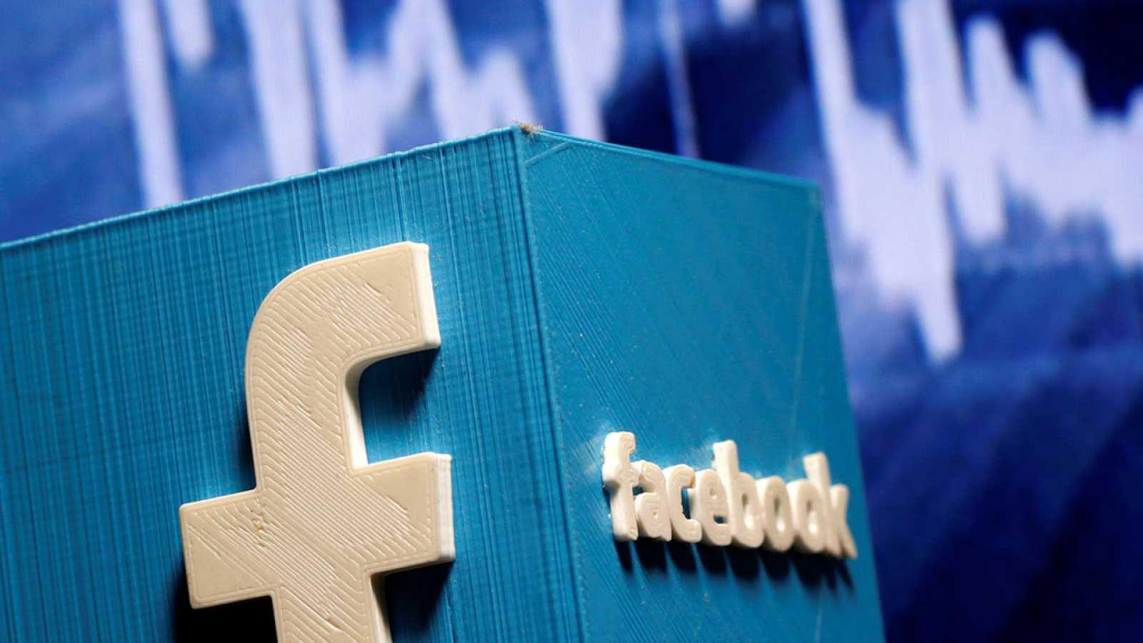 De los 7.000 millones de dólares de ingresos de Facebook en el último trimestre, unos 6.800 millones correspondieron a venta de anuncios.