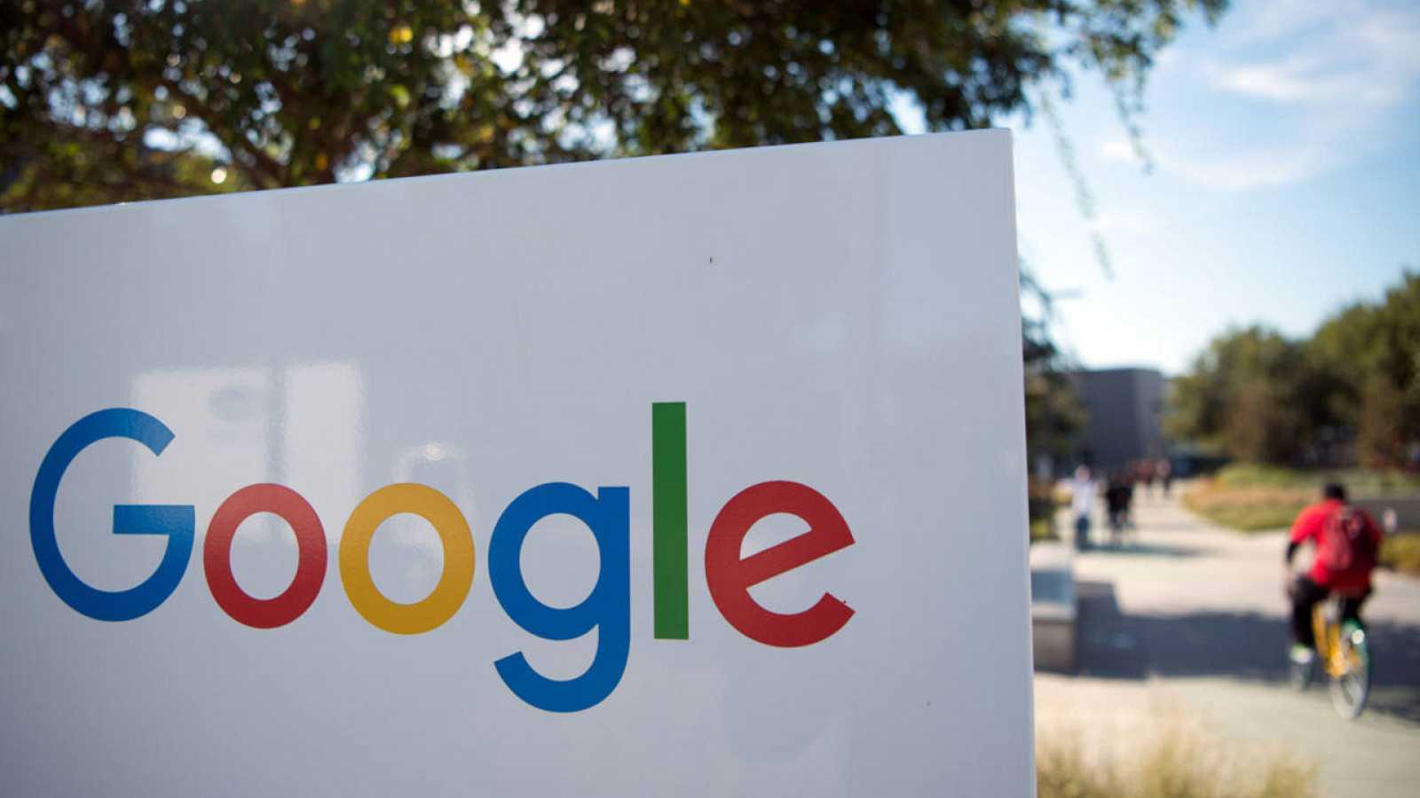 Google ha recibido acusaciones por búsquedas relacionadas con Donald Trump y el apoyo popular.