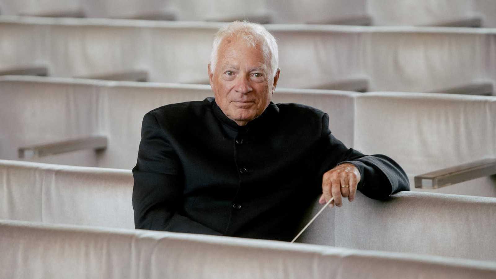 El director Leopold Hager