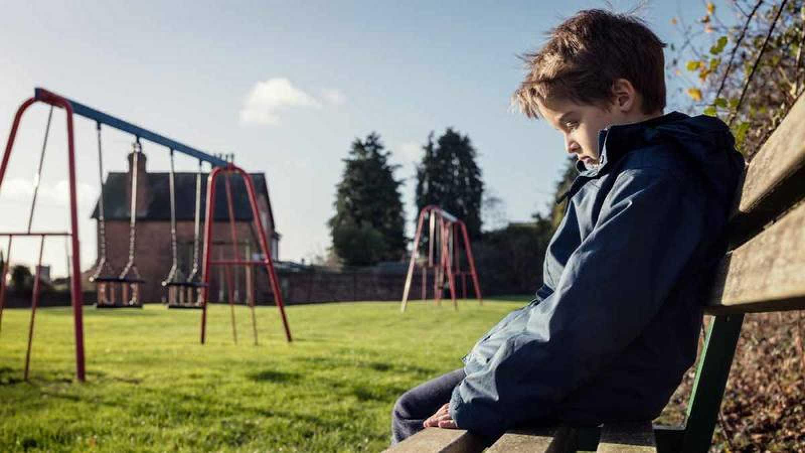 Cualquier persona puede denunciar un caso de acoso escolar en el  900 018 018.