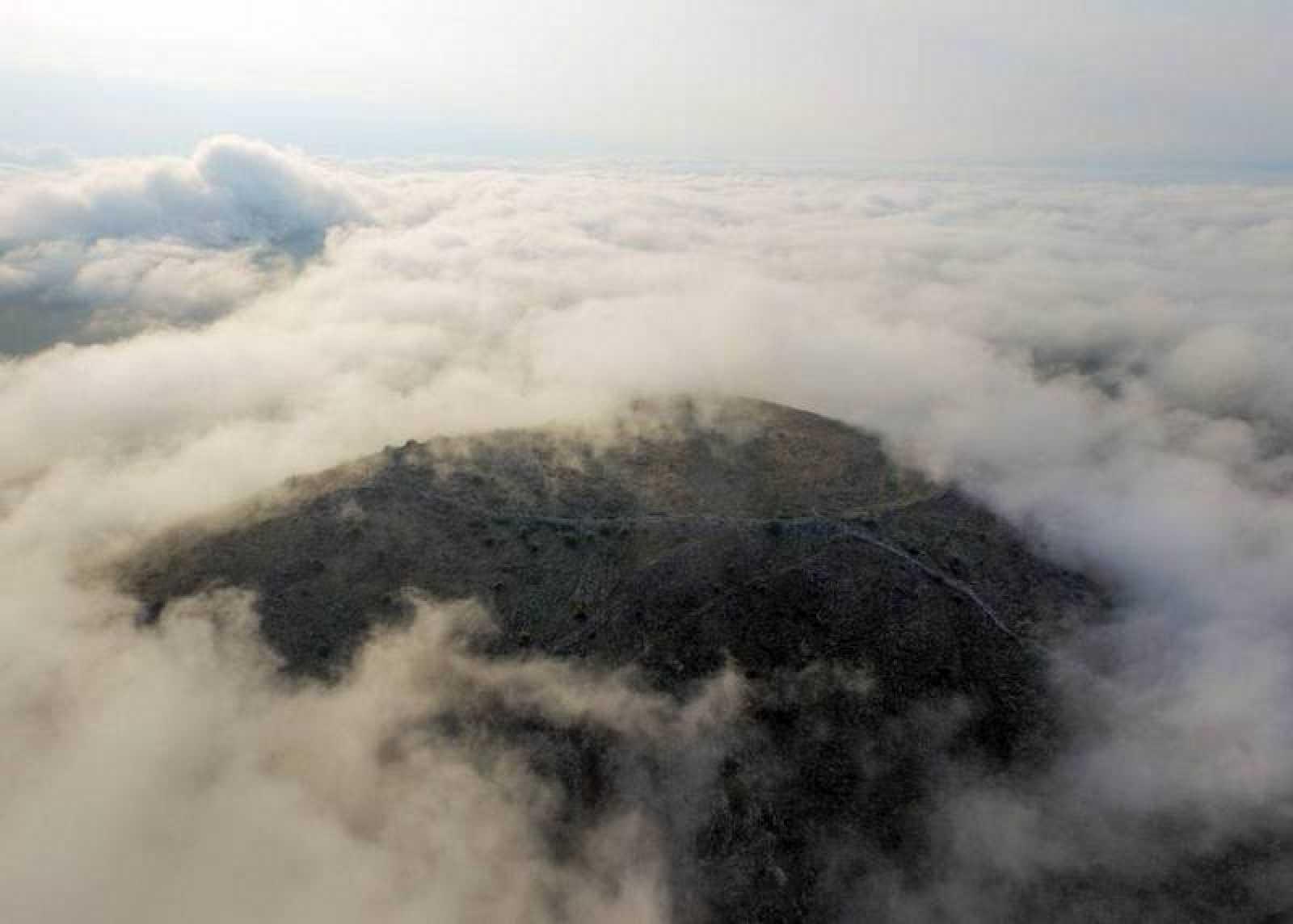 La colina Strongilovoúni, en las llanuras de Tesalia, donde se ha encontrado una ciudad de la antigua Grecia