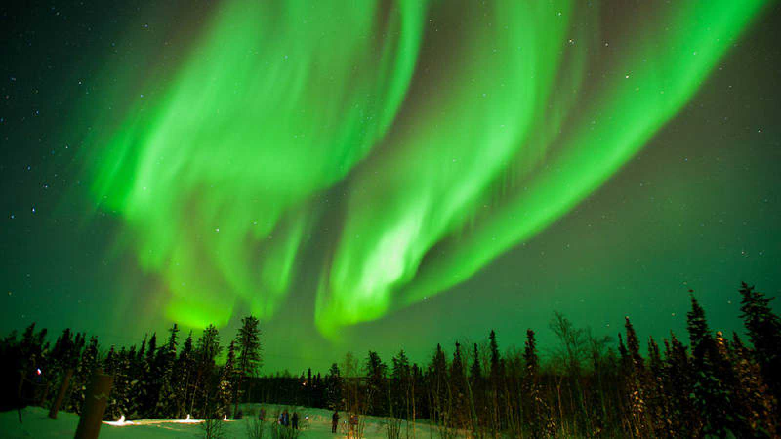 Aurora boreal, vista cerca de la ciudad canadiense de Yellowknife.