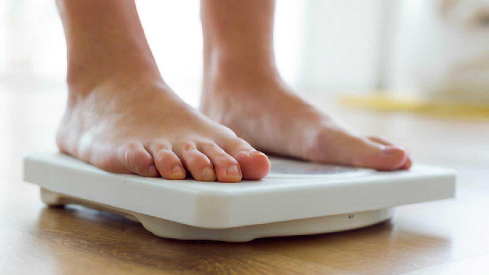"""Las personas que poseen un perfil genético asociado al aumento de peso corporal (gen FTO) """"responden del mismo modo a la dieta, al ejercicio y a los fármacos para perder peso""""."""