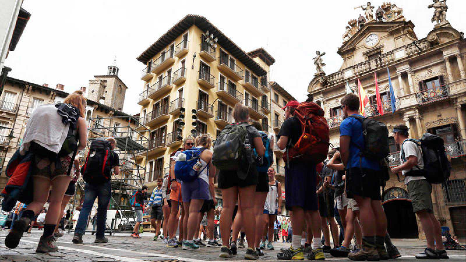 Turistas llegados a Pamplona el pasado mes de julio para disfrutar de los Sanfermines