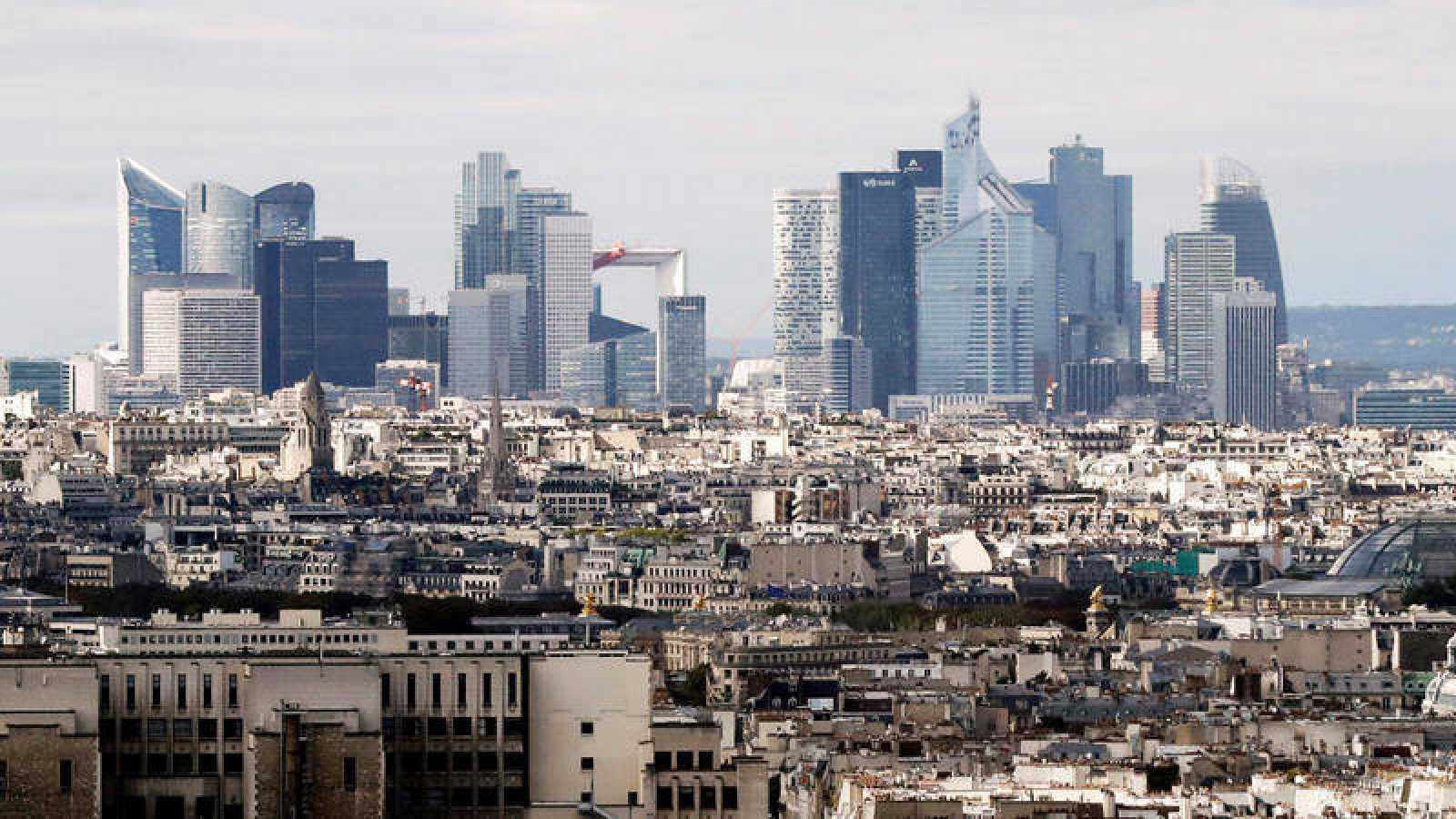 Vista del distrito financiero de La Defense en París.