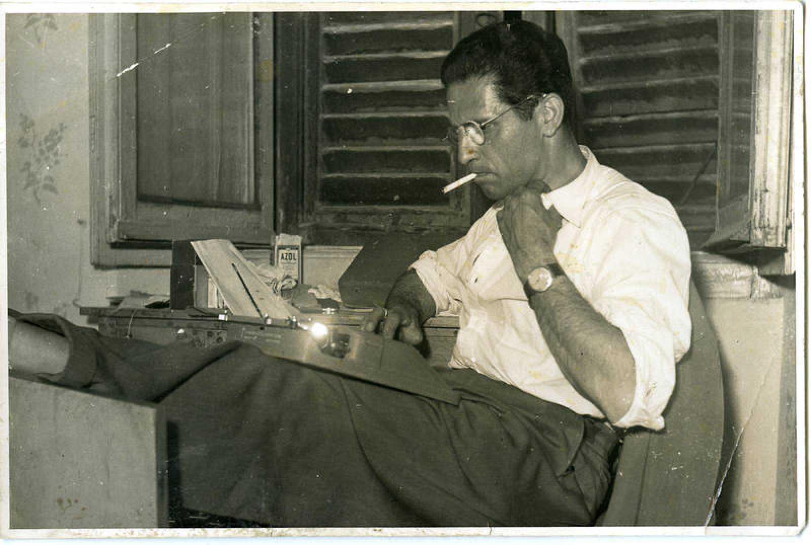 Jacques Leonard en su estudio en 1960