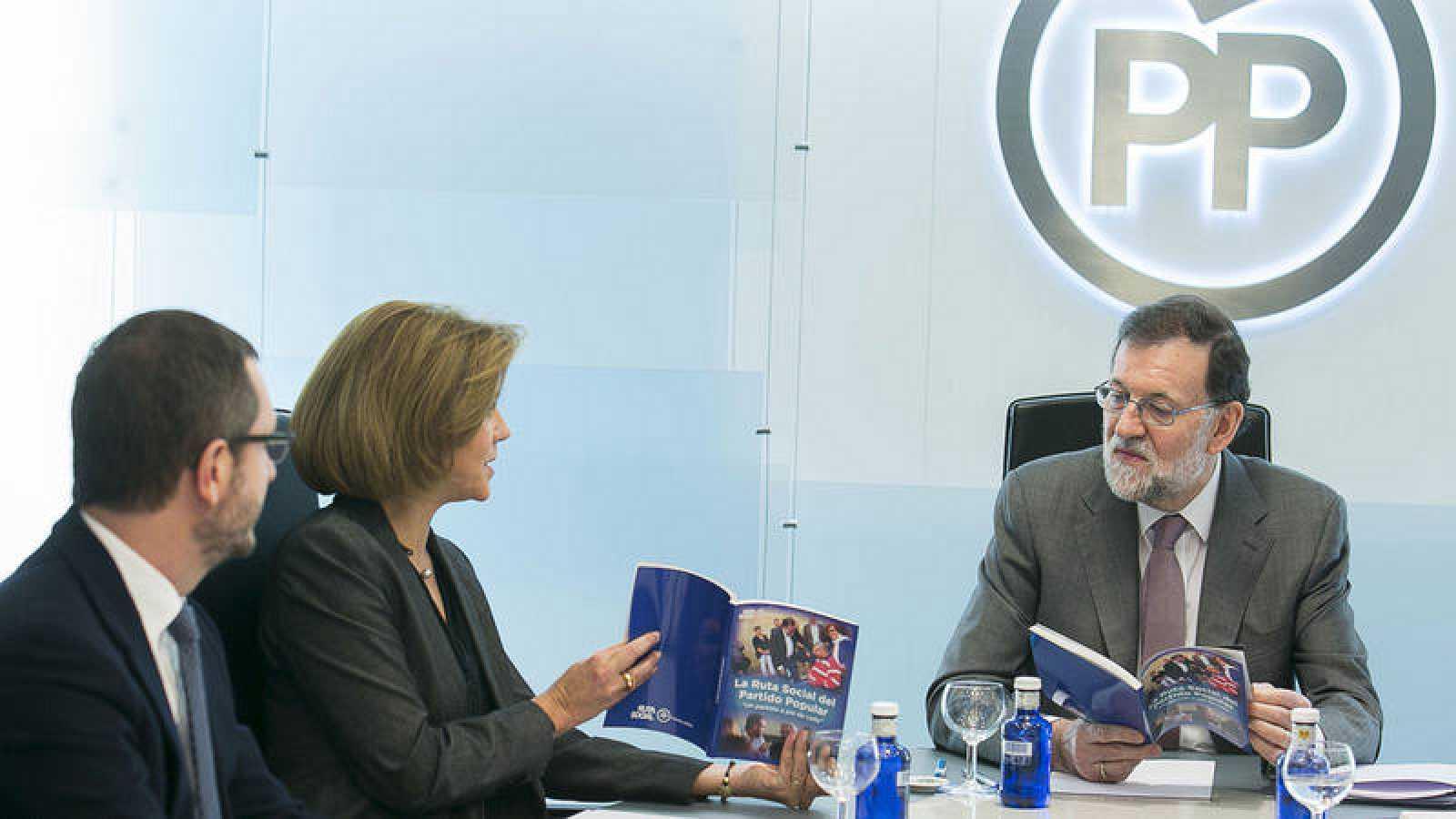 Mariano Rajoy, María Dolores de Cospedal y Javier Maroto durante la reunión del Comite de Dirección del Partido Popular