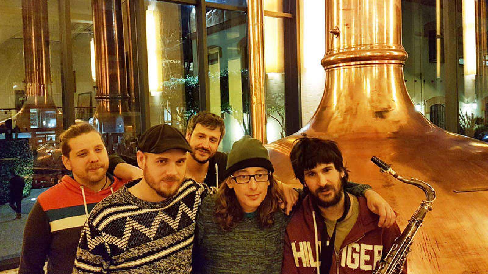 Parlem amb 'Buhos' guanyador del Disc Català de l'Any 2016